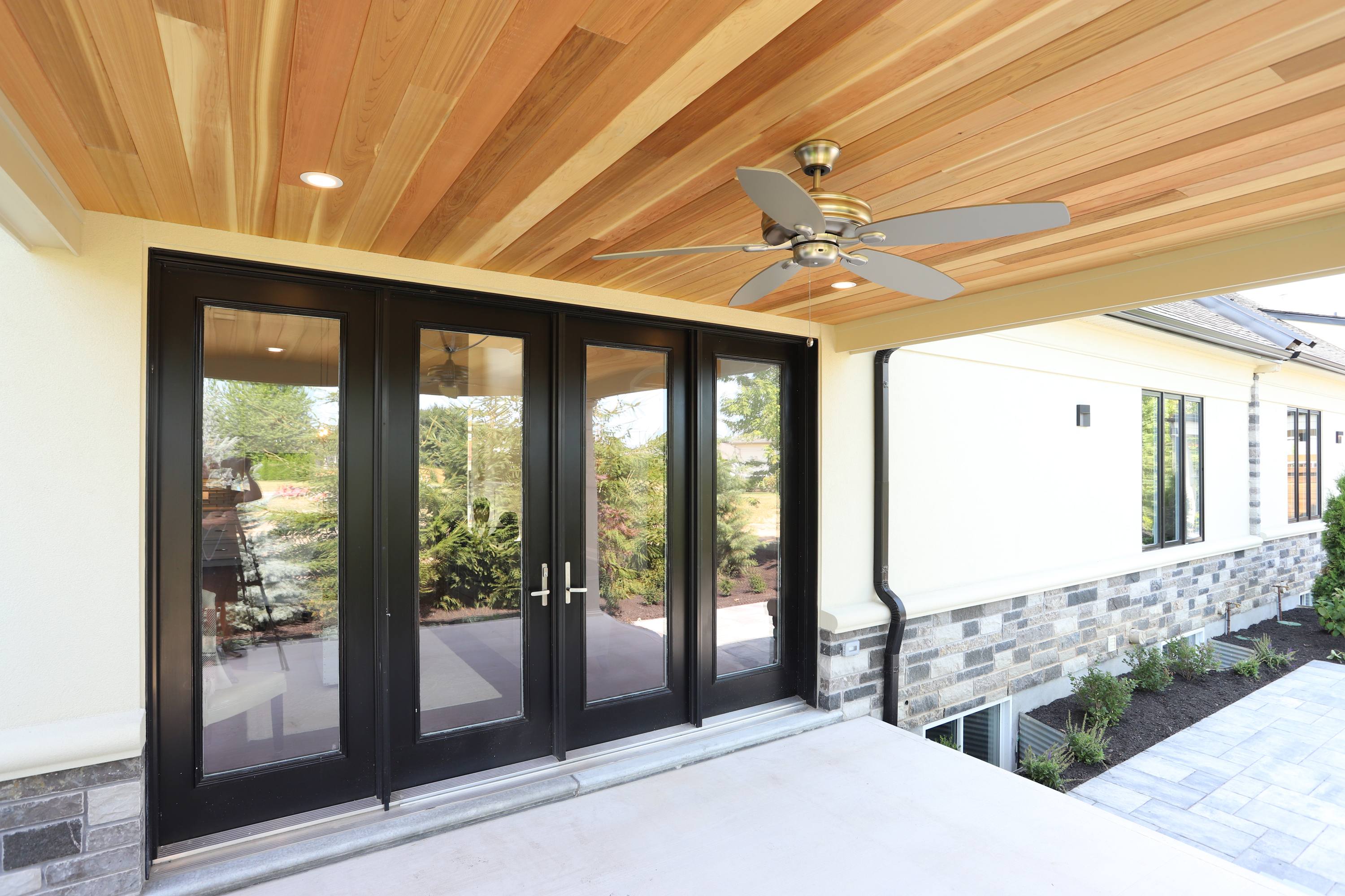 Here Are 9 Great Reasons to Replace Your Windows and Doors | Golden Windows